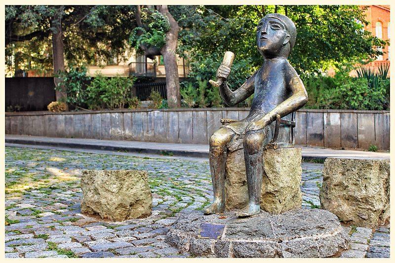Statua del Tamada a Tiblisi